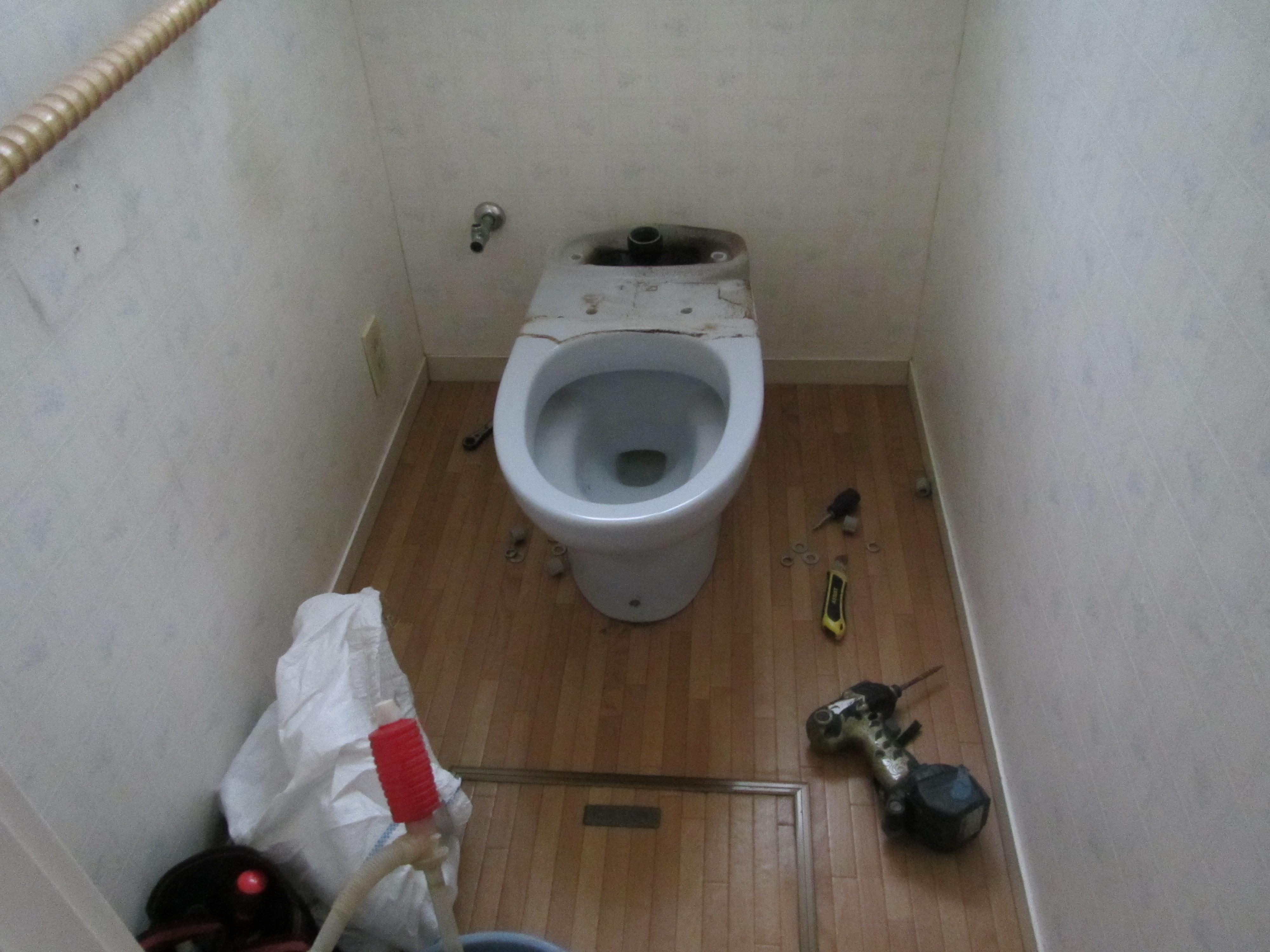 トイレ取外し